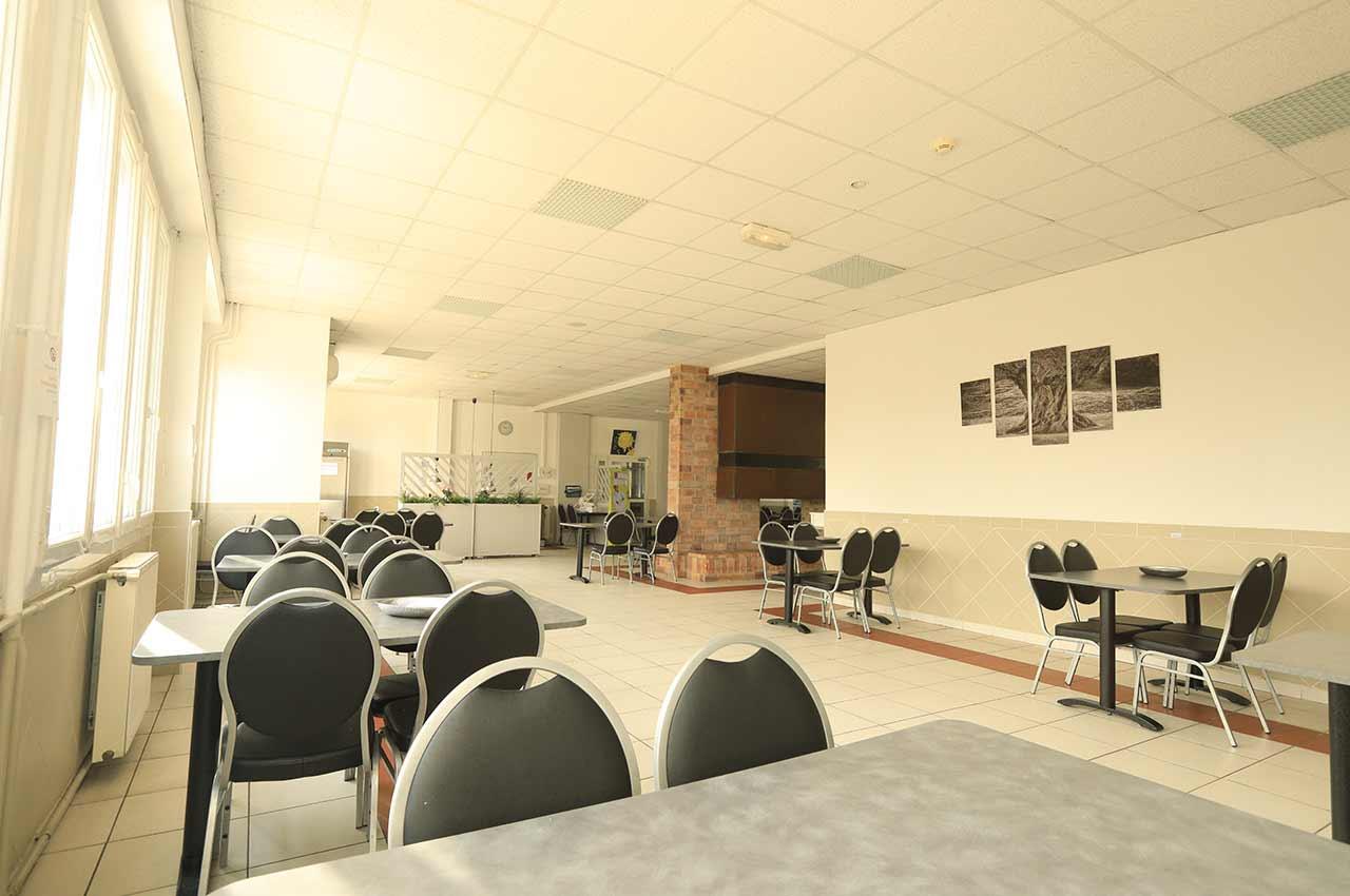 Salle de restaurant - Clinique le méditerranée